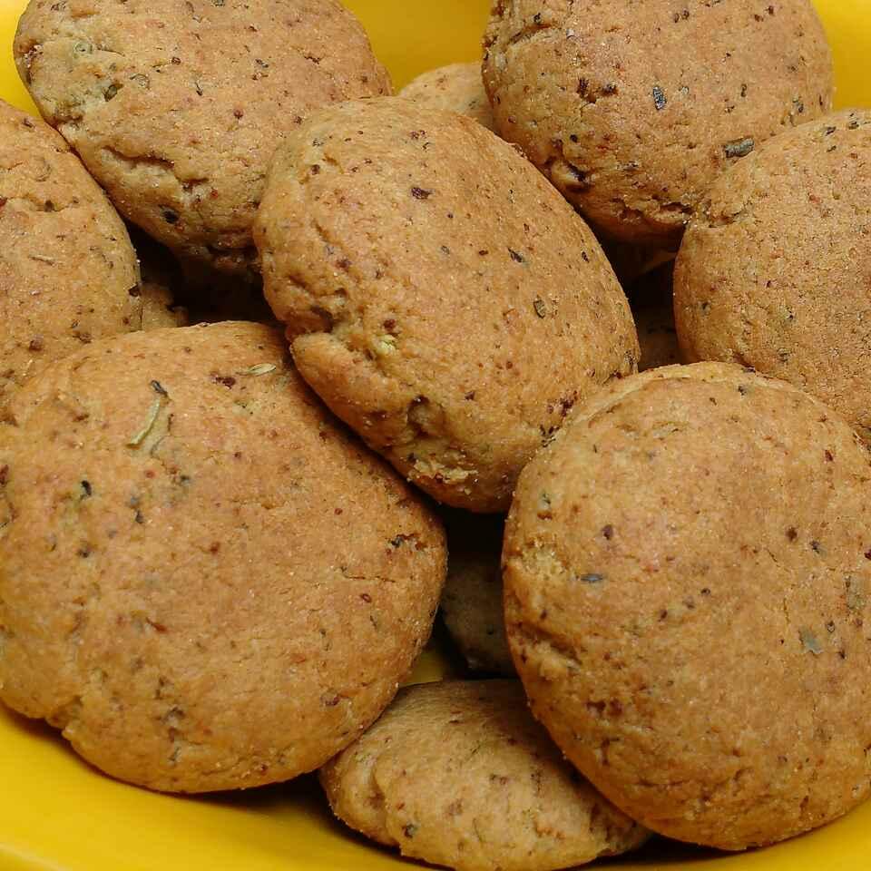 Photo of Stuffed onion cookies by Somya Gupta at BetterButter