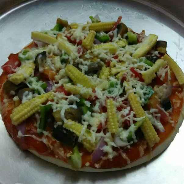 How to make Veg paneer, baby corn pizza