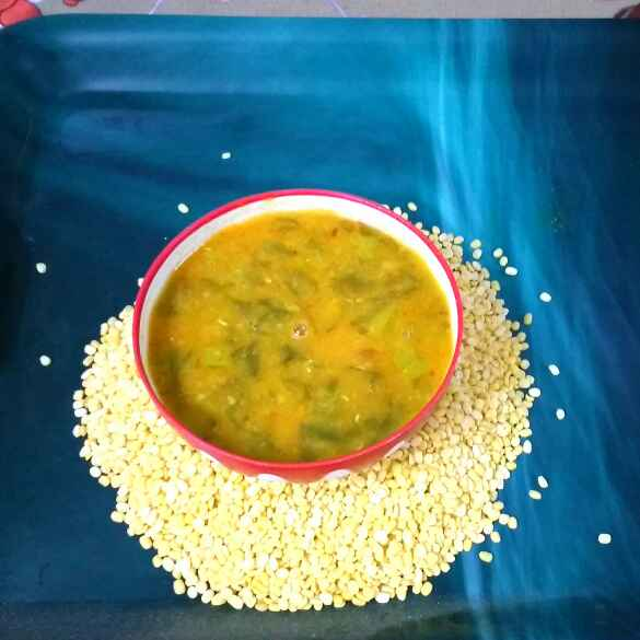 How to make Palak moong Dal soup for toddlers, pregnant women elderly people