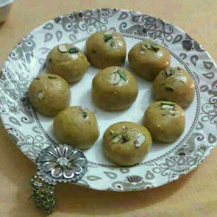 How to make Besan ke Laddoo