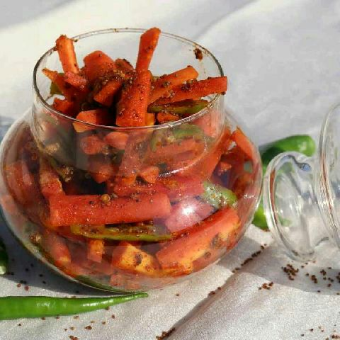 How to make Instant Carrot Pickle