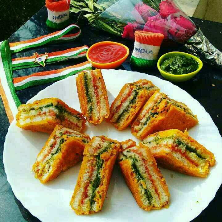 How to make Tiranga Bread Pakoda