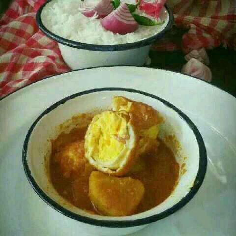 How to make Dimer Jhol- Bengali Egg Curry