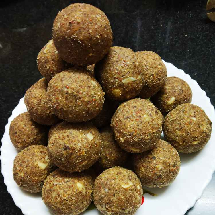 Photo of Methi ladoo. by Sonali Belose-Kayandekar at BetterButter