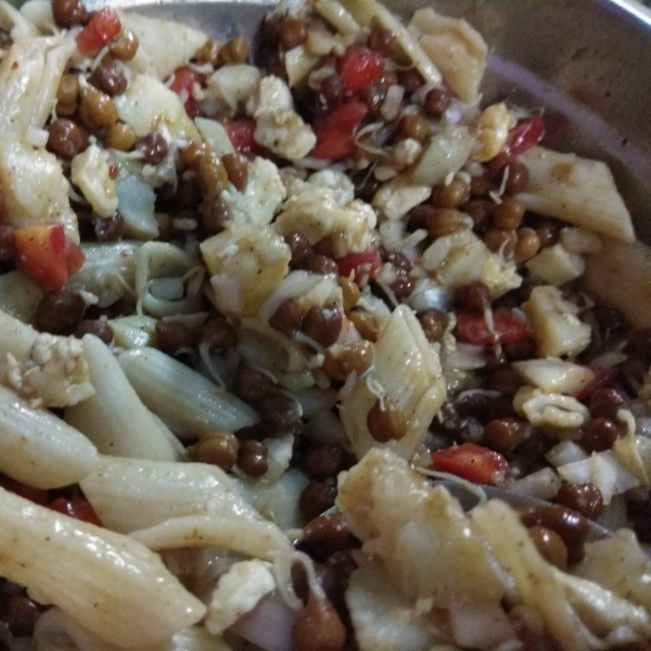How to make Sprout Black Chana Salad with Pasta.