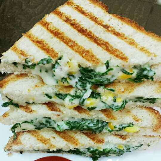 Photo of Spinach corn cheese grill sandwich by Soniya Verma at BetterButter