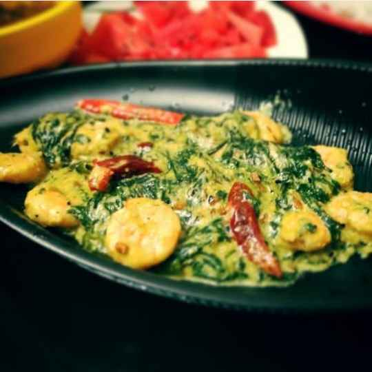 How to make Prawn spinach in coconut milk