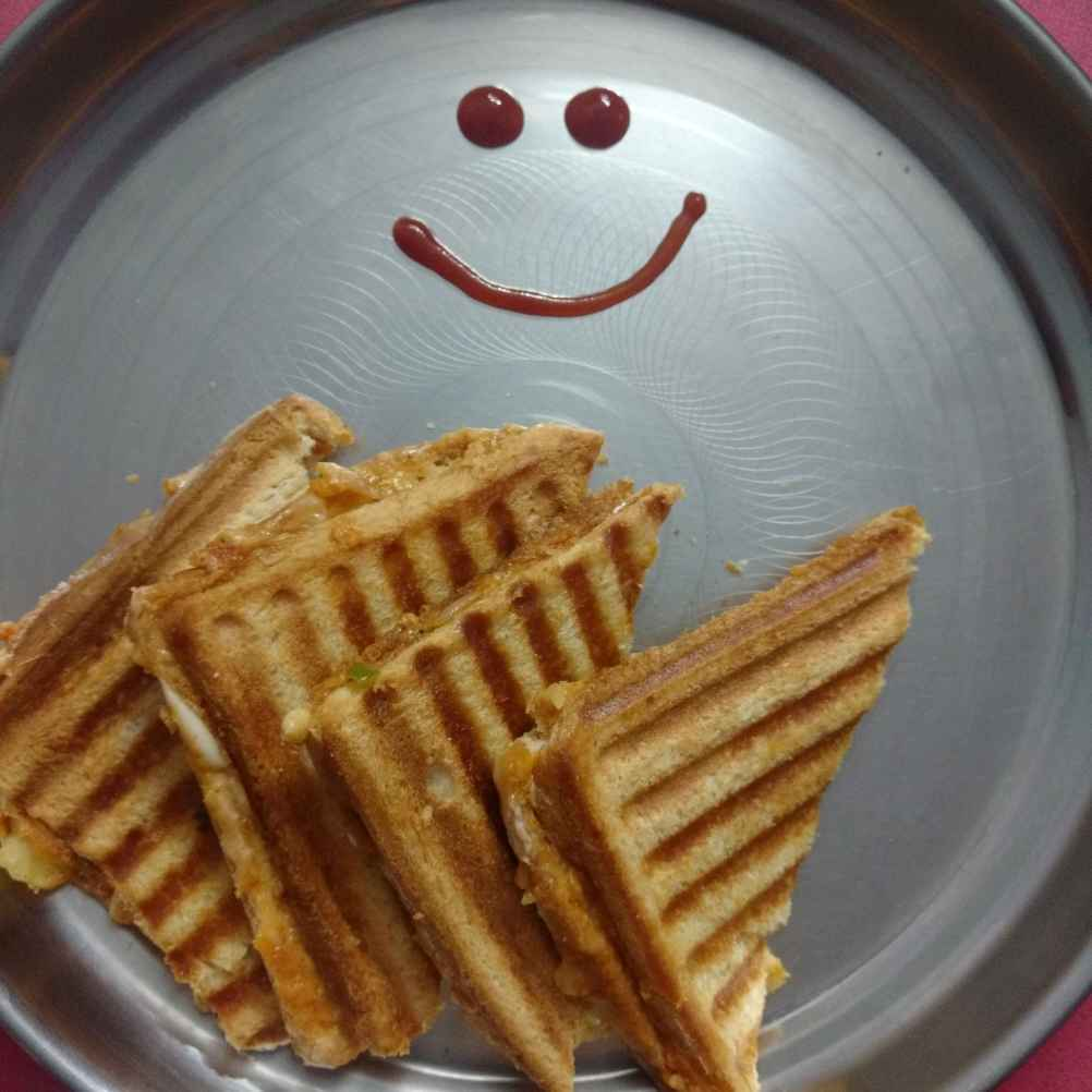 Photo of Alu cheese sandwich by sravanthi komaravelli at BetterButter