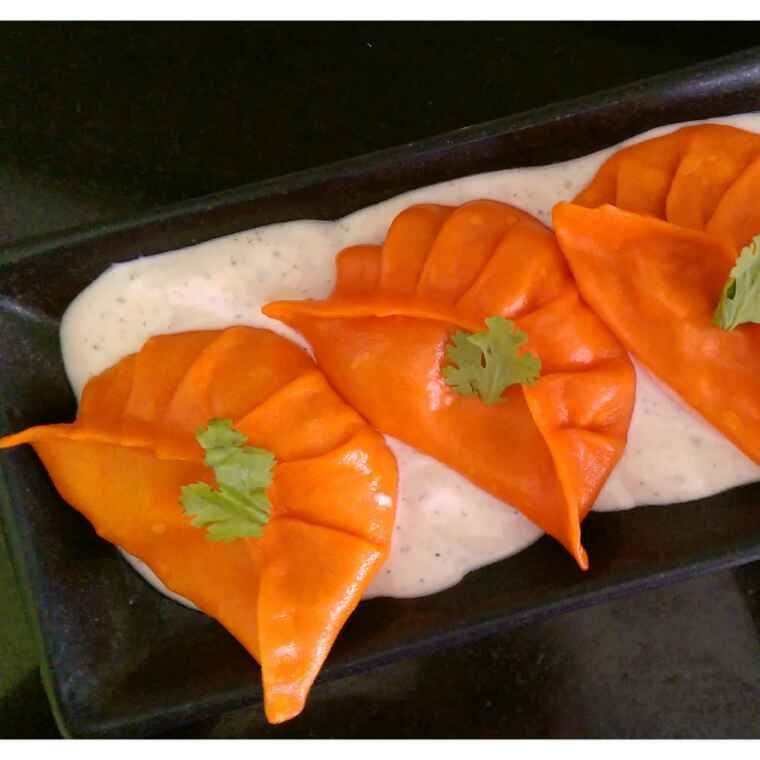 How to make Carrot Momos with White Dipping Sauce