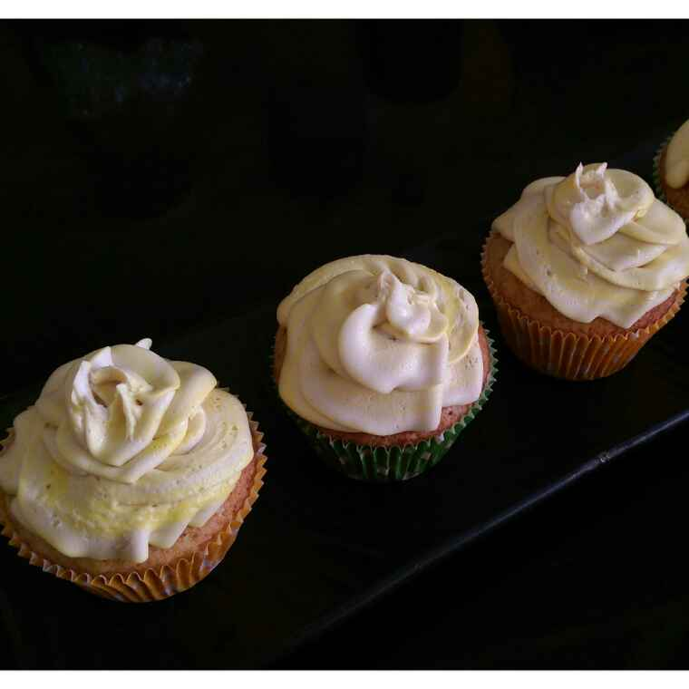 How to make Pumpkin Cupcakes With Pineapple Frosting