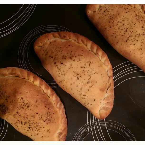 How to make Chicken calzone