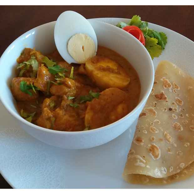 How to make Chicken & egg korma