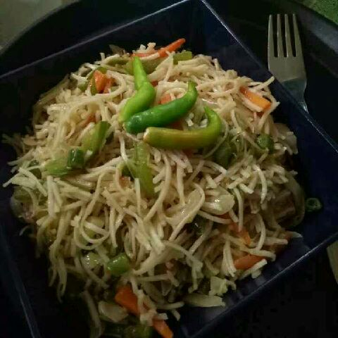 How to make Chilli garlic veg noodles