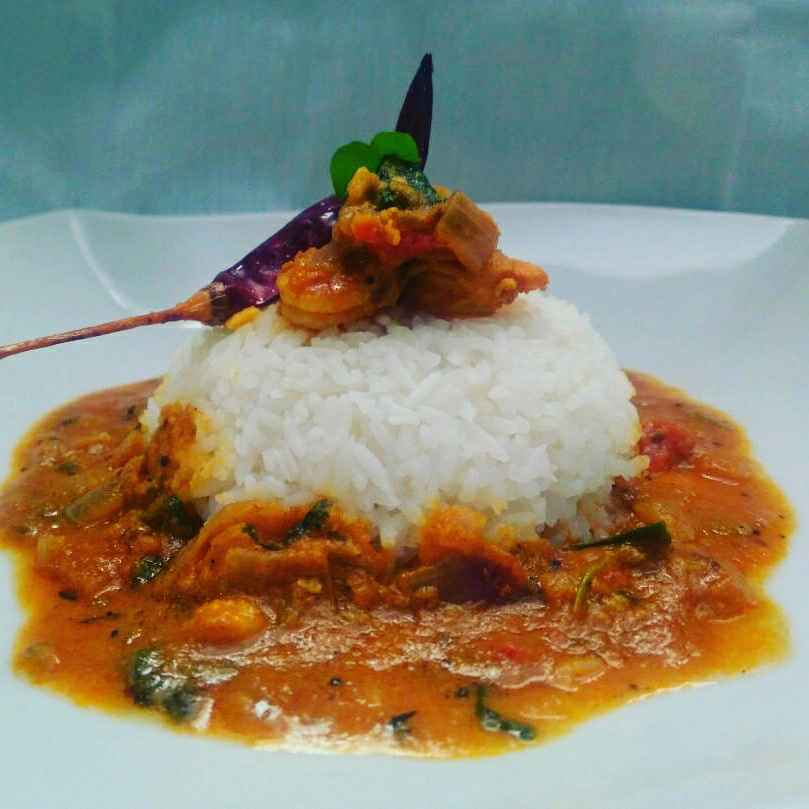 How to make Prawns Curry Cooked in Tomato and Coconut