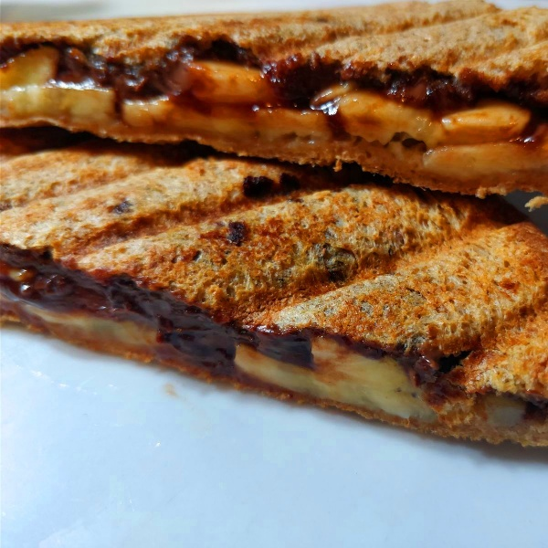 Photo of Grilled Banana Oreo Cream Sandwich by Subhashni Venkatesh at BetterButter