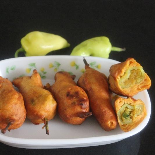 How to make Stuffed Milagai Bajji / Stuffed Chilli Fritters