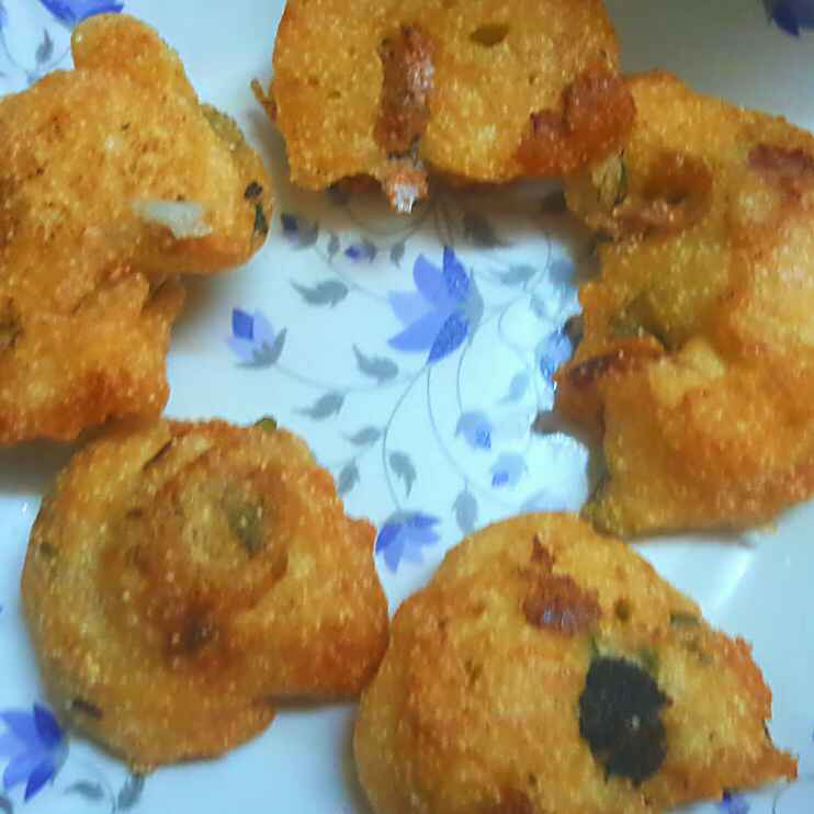 How to make Urad dal vadas