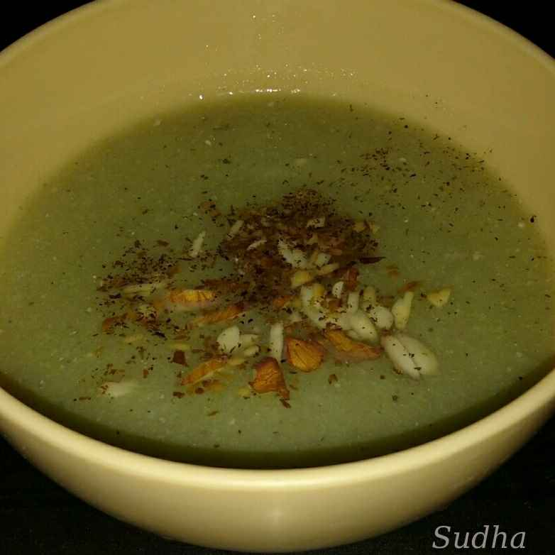 Photo of Cauliflower Almond Soup by Sudha Kunkalienkar at BetterButter