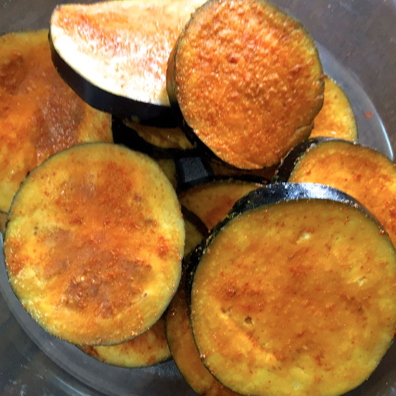 How to make Fried Marinated Brinjal Rounds