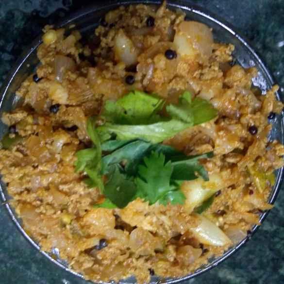 How to make Califlower egg curry