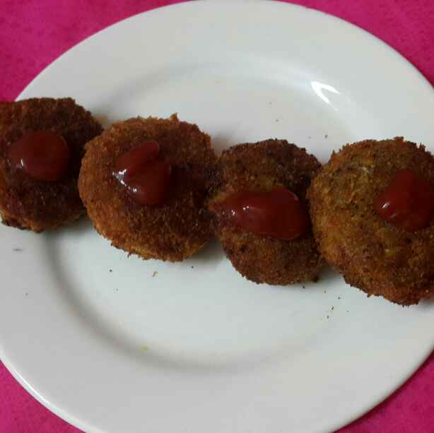 Photo of Chicken and potato cutlet by Sumaiya Arafath at BetterButter