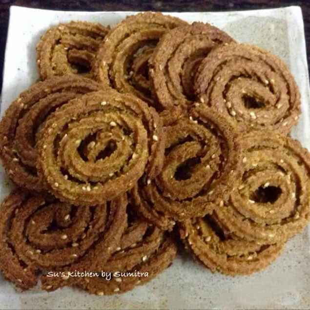 Photo of Healthy Crispy Baked MultiGrain Chakli by Sumitra Chowdhury at BetterButter