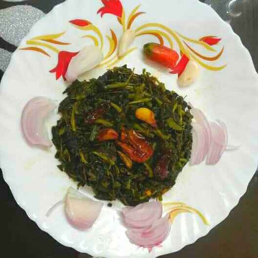 Photo of Spinach stir fry with garlic by Sunanda Jash at BetterButter
