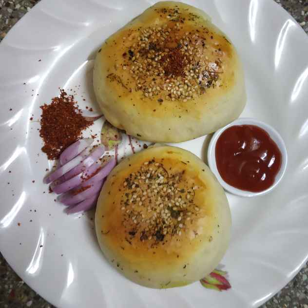 How to make Potato Stuffed Pav (baked vada pav)