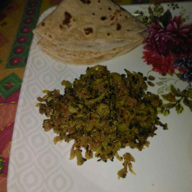Photo of karle bhaji ani chapati by supriya padave (krupa rane) at BetterButter