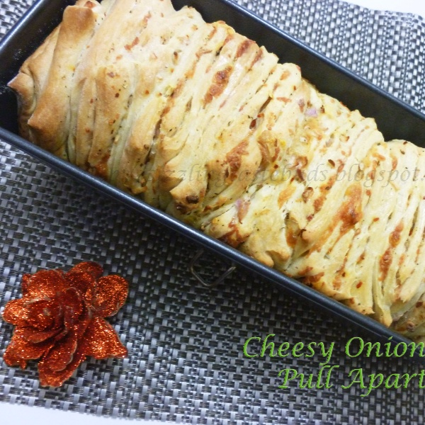 Photo of Cheesy onion Pull Apart Bread by Supriya Santosh at BetterButter