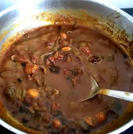 How to make Vaththa kulambu