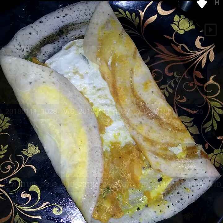 How to make Spicy Egg dosa