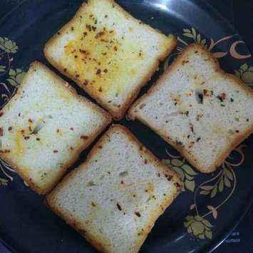 Photo of Chilli garlic bread by Surya Rajan at BetterButter