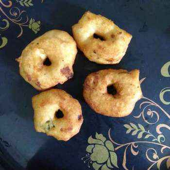 How to make Urad dal vada