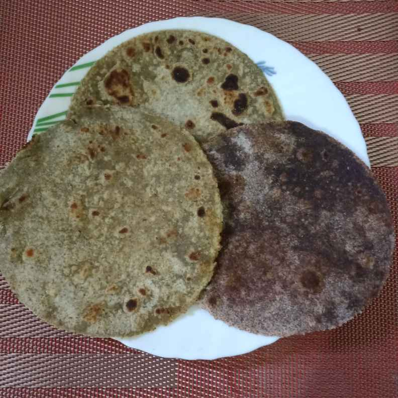 Photo of Sprouted green gram Ragi pearl millet roti by Surya Rajan at BetterButter