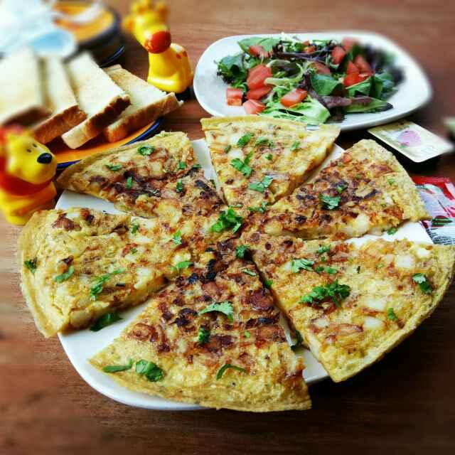 How to make স্প্যানিশ টরটিলা বা স্প্যানিশ পটেট্যো অমলেট