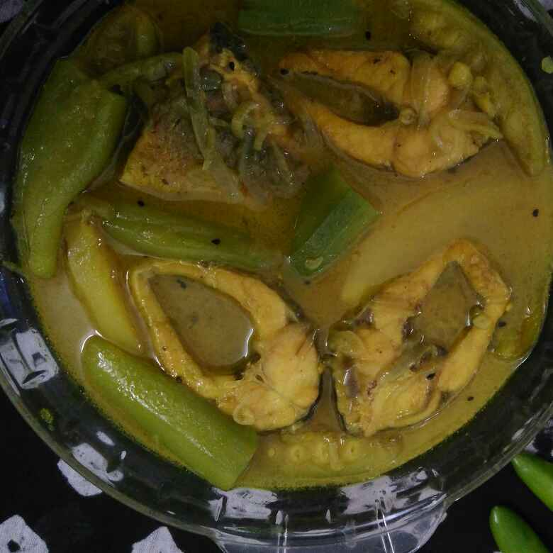 How to make Rohu fish stew with vegetables