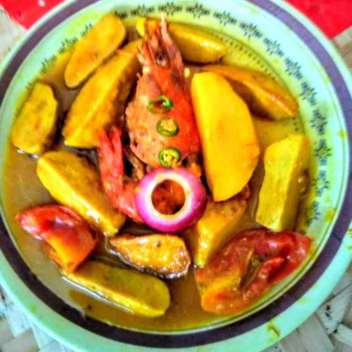 Photo of Alu kochu chingri jhol by Swagata Roy at BetterButter