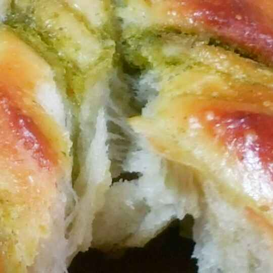 Photo of Sun Shaped Pull Apart Bread with Spicy Minty Filling  by Swapna Sunil at BetterButter