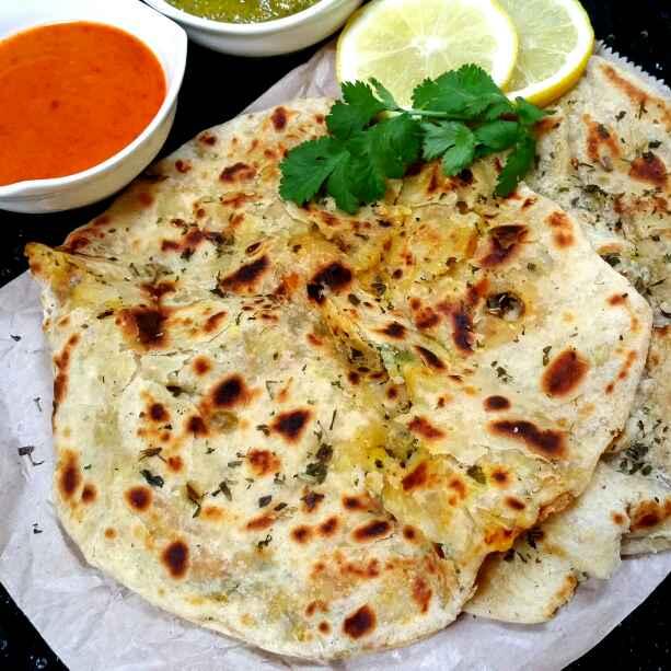 How to make Amritsari aalu kulche