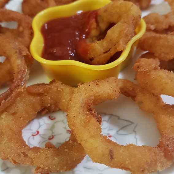 Photo of Onion rings(egg less) by Swapna Sashikanth Tirumamidi at BetterButter