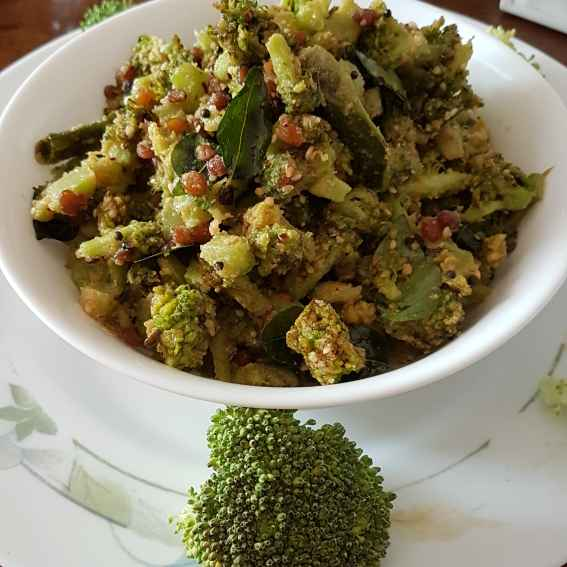 Photo of Broccolli curry with seasame. by Swapna Sashikanth Tirumamidi at BetterButter