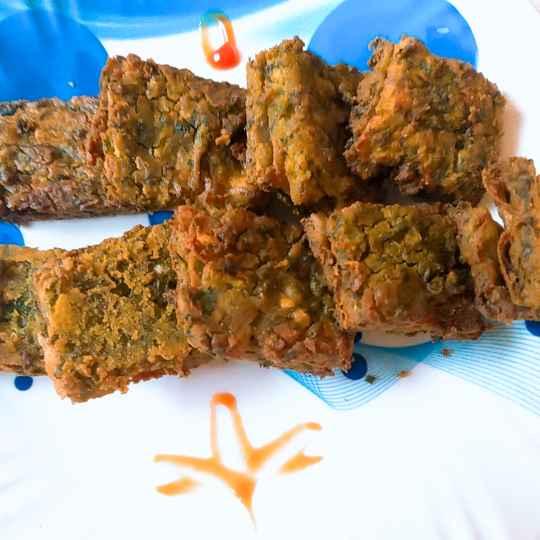 Photo of Chapati kothimbir vadi twist by Swapnal swapna p at BetterButter