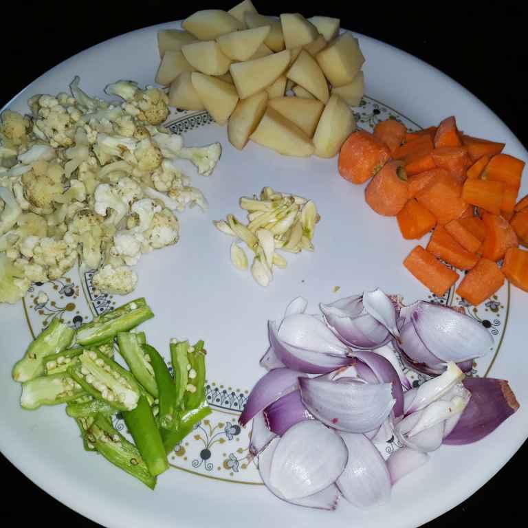 Photo of Mixed vegetable masala curry by Swaroop J. Santhi Jagarlapudi at BetterButter