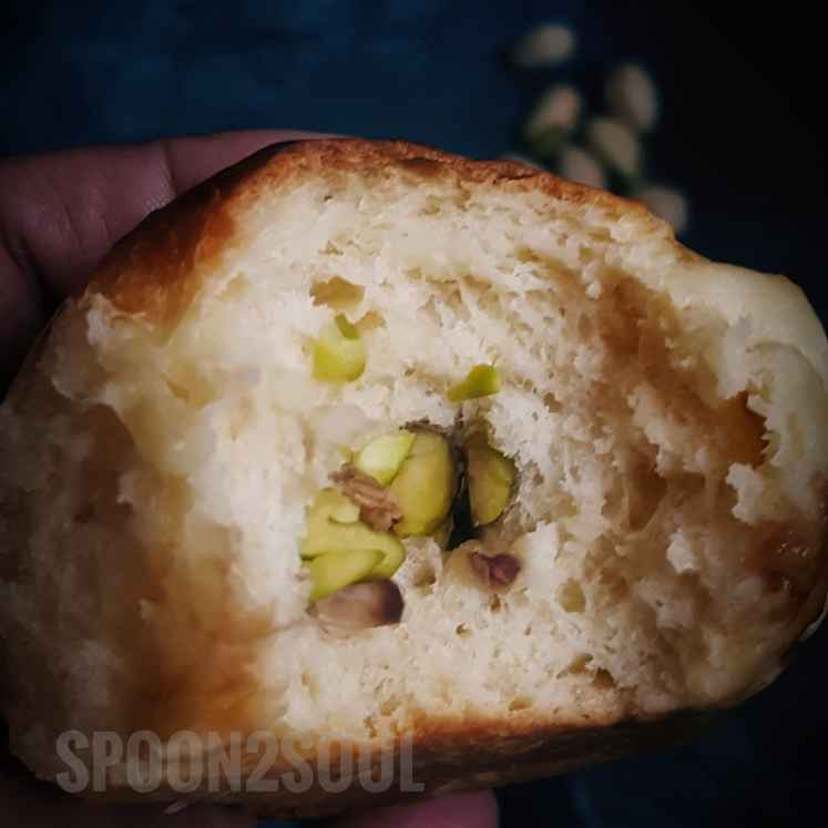 How to make Saffron Pistachios Buns