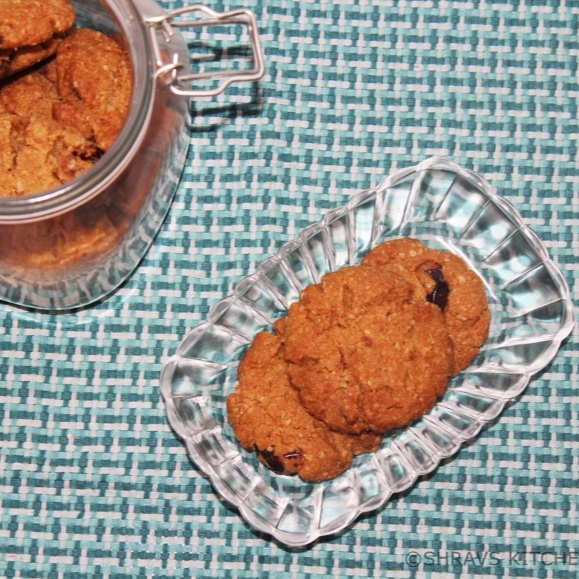 How to make Oats and Dates Whole Wheat Cookies