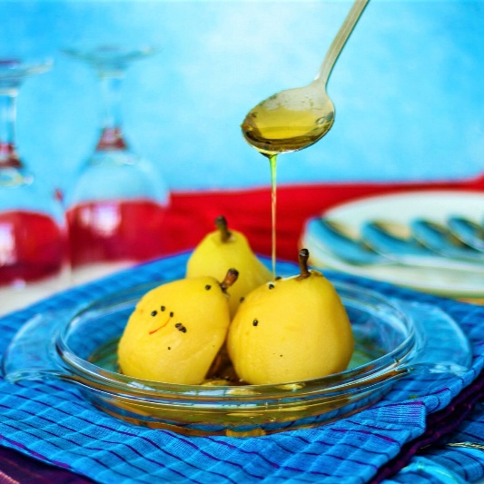 How to make SAFFRON AND CARDAMOM POACHED PEARS