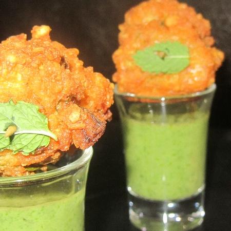 How to make Chana dal pakoda and pudina chutney