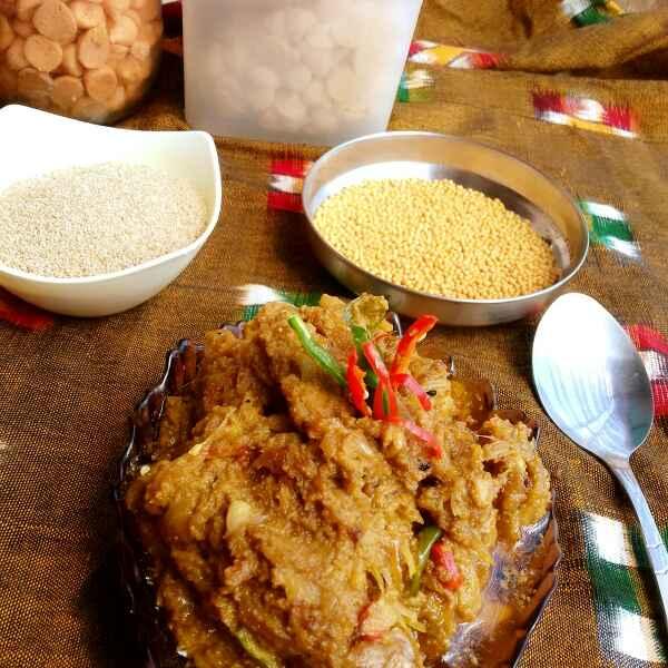 How to make piyanj posto(onions in poppy seeds paste)