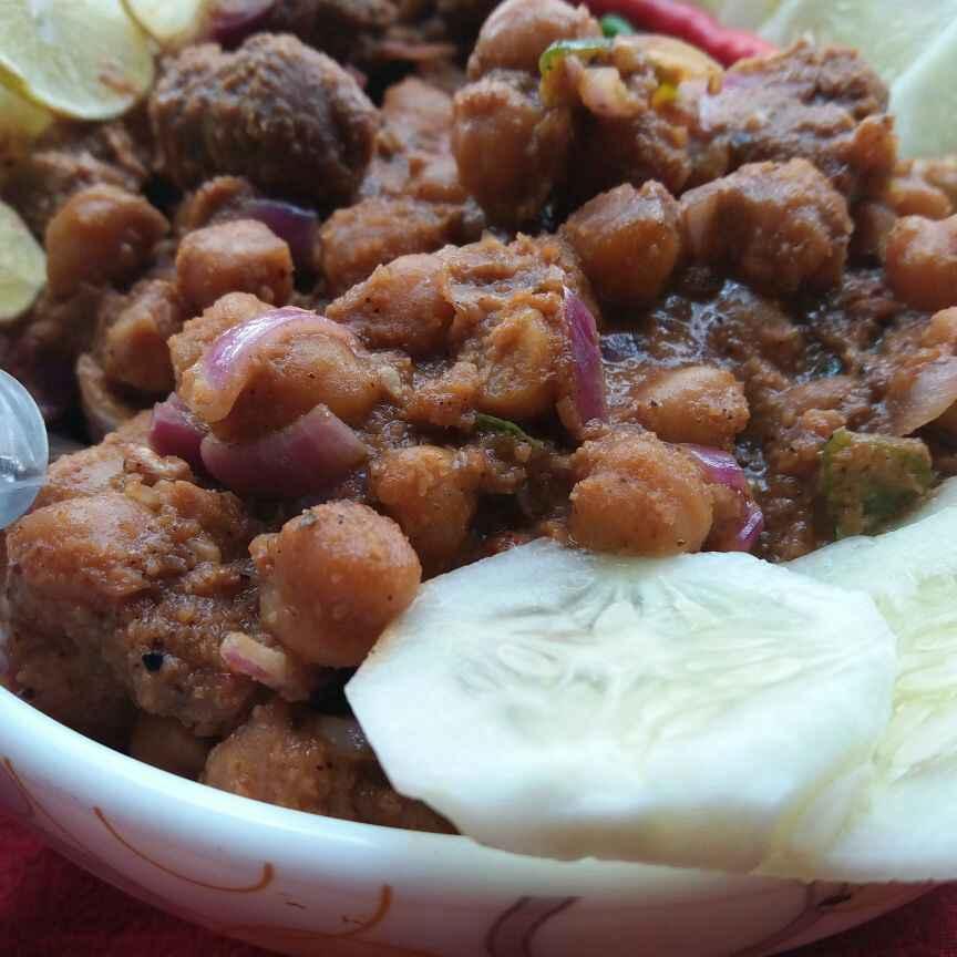 How to make soya-kabuli chana curry with malacca spice blend